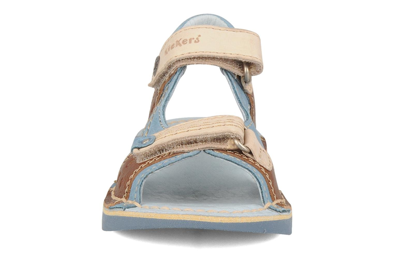 Sandales et nu-pieds Kickers Woaza Bleu vue portées chaussures
