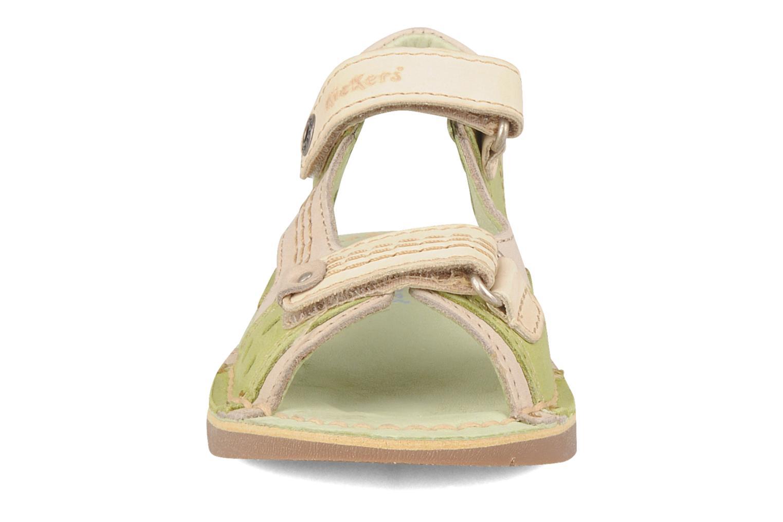 Sandales et nu-pieds Kickers Woaza Vert vue portées chaussures