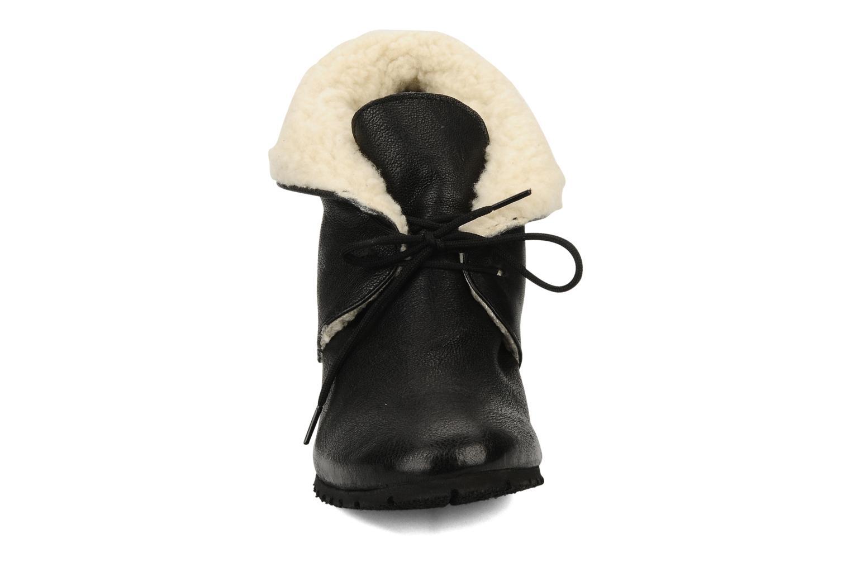 Ankle boots Eden Mimia Black model view