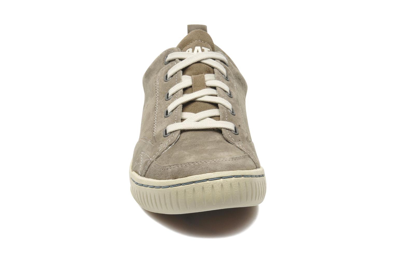 Sneaker Caterpillar Modesto grau schuhe getragen