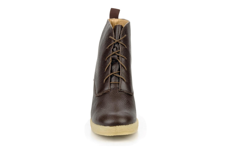 Ankle boots Mellow Yellow Koala Brown model view