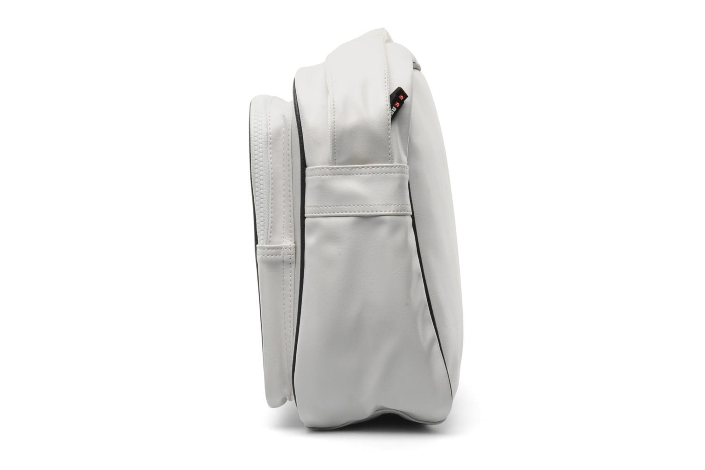 Herrentaschen Redskins Airline besace weiß schuhe getragen