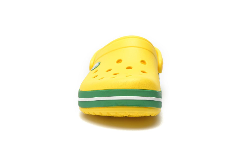Sandales et nu-pieds Crocs Crocband kids Jaune vue portées chaussures