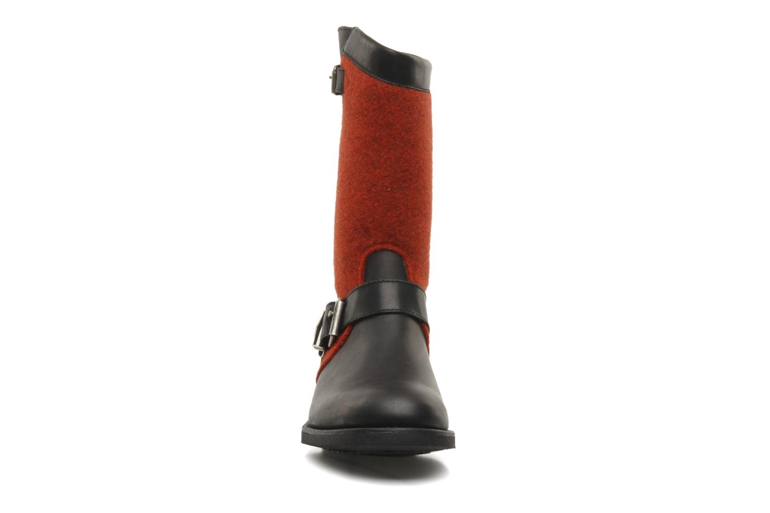 Ankle boots Sancho Boots Yogi Red model view