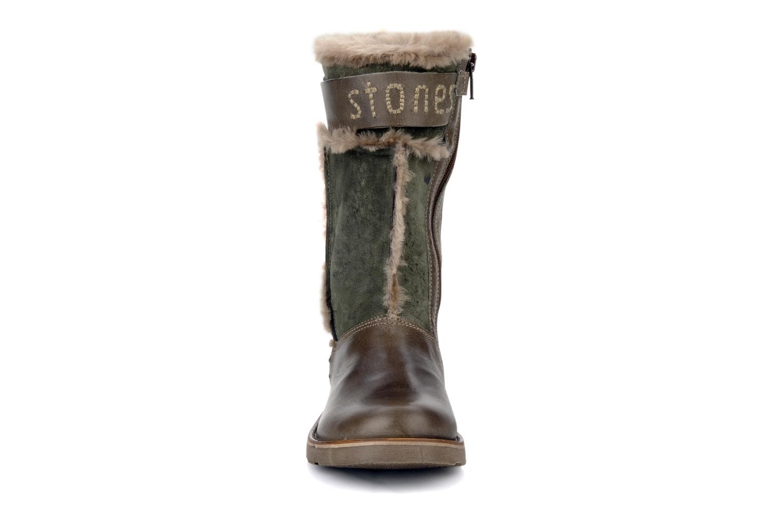 Bottes Stones and Bones Barma Marron vue portées chaussures