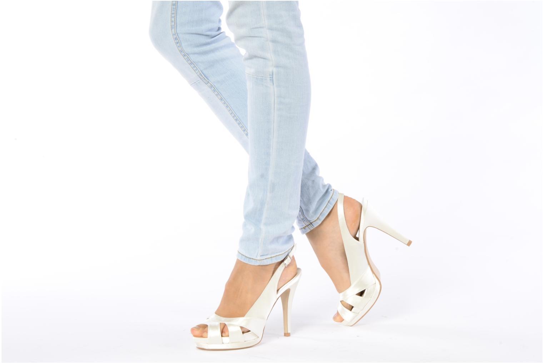 Sandales et nu-pieds Menbur Cindella Blanc vue bas / vue portée sac
