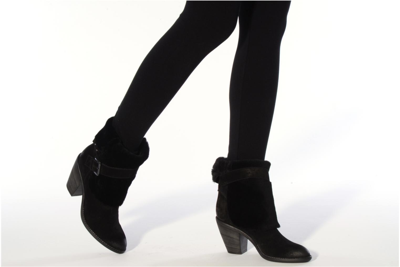 Bottines et boots Janet & Janet Comodo Noir vue bas / vue portée sac