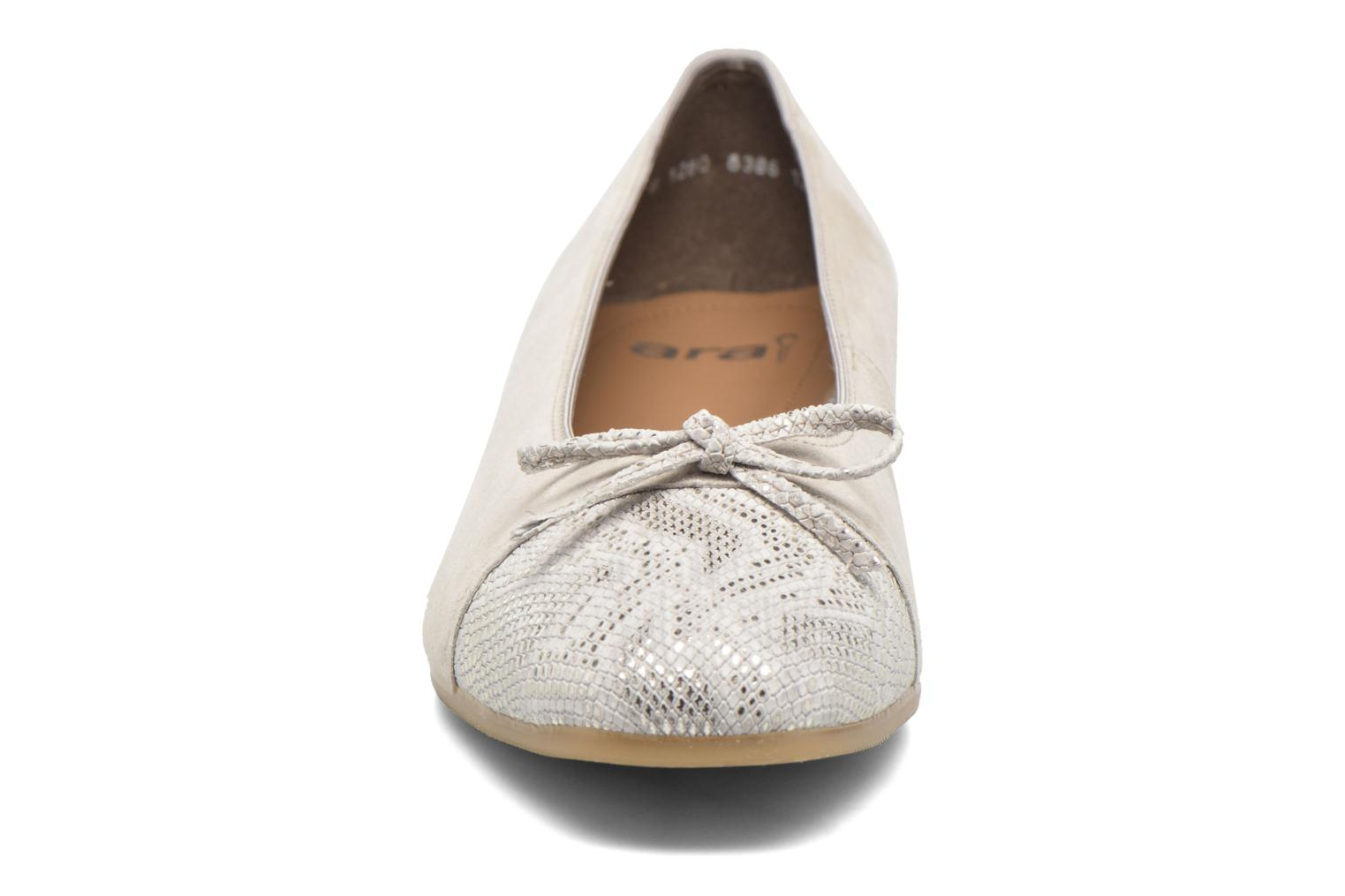Ballet pumps Ara Bari Beige model view