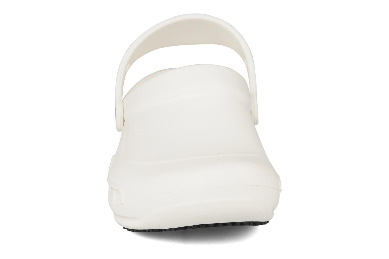 Clogs & Pantoletten Crocs Bistro w weiß schuhe getragen