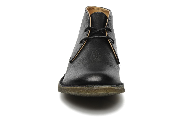 Veterschoenen Kickers Crepy Zwart model
