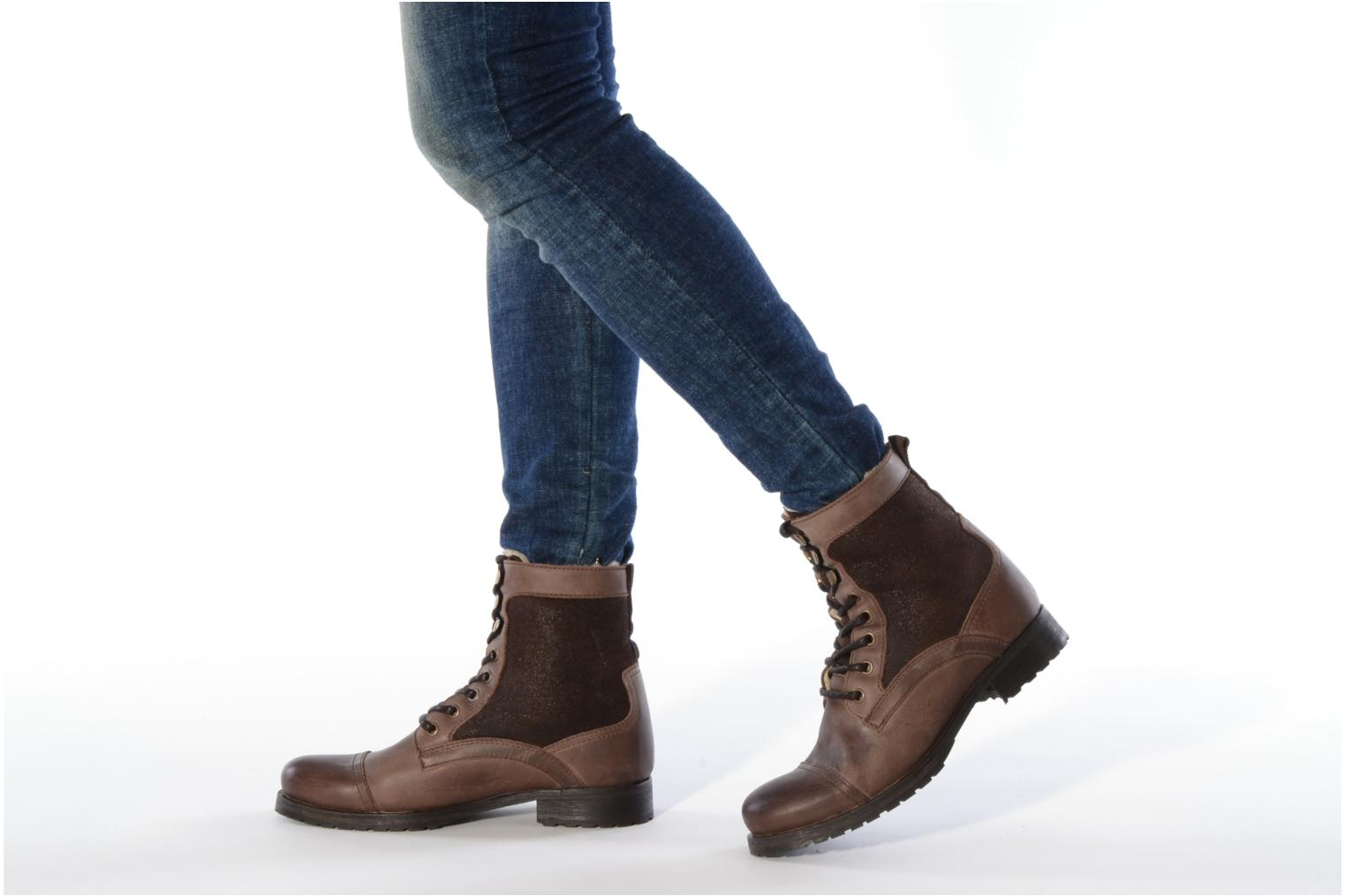 Ankle boots Buffalo Chuppa Brown view from underneath / model view