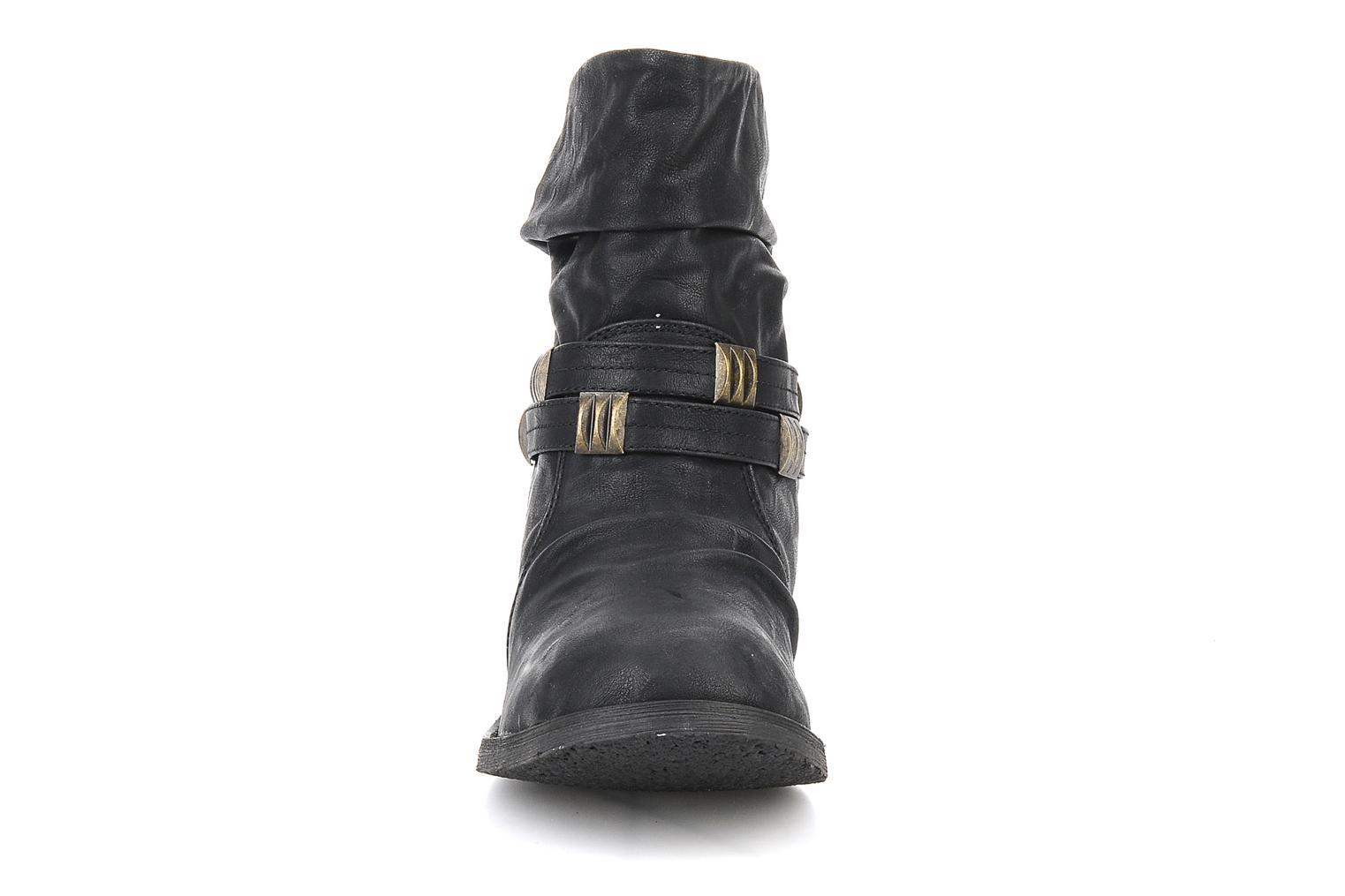 Ankle boots Blowfish Texas Black model view