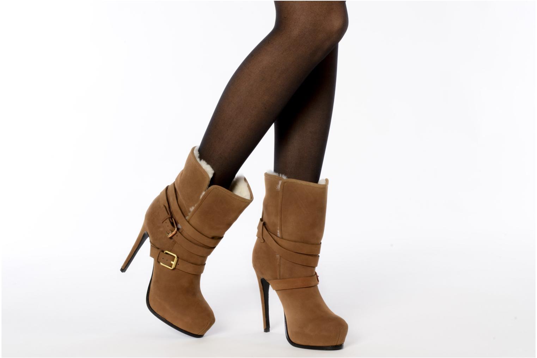Stiefeletten & Boots Pour La Victoire Lizzie braun ansicht von unten / tasche getragen