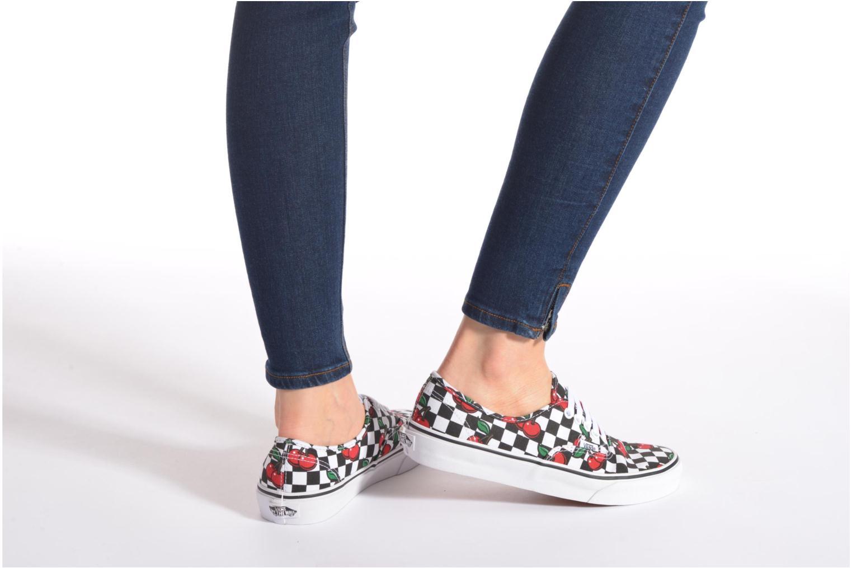 Sneaker Vans Authentic E rot ansicht von unten / tasche getragen