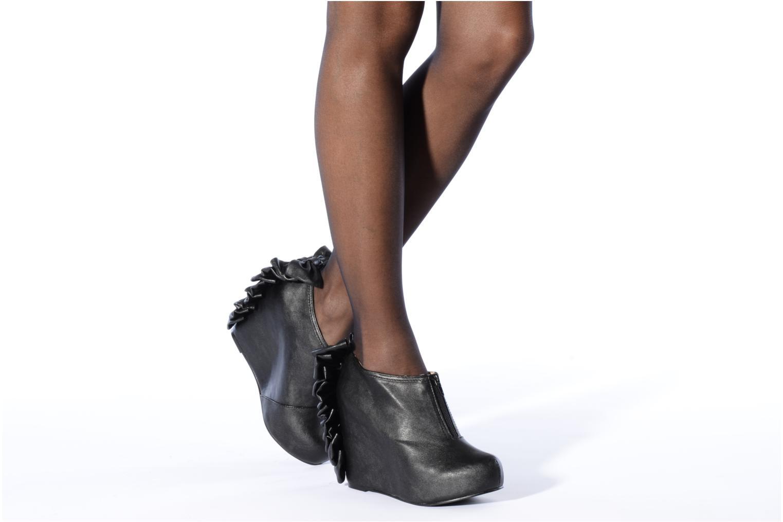Bottines et boots Jeffrey Campbell Back bow Noir vue bas / vue portée sac