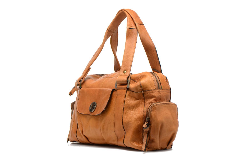 Bolsos de mano Pieces Totally Royal leather Small bag Marrón vista del modelo