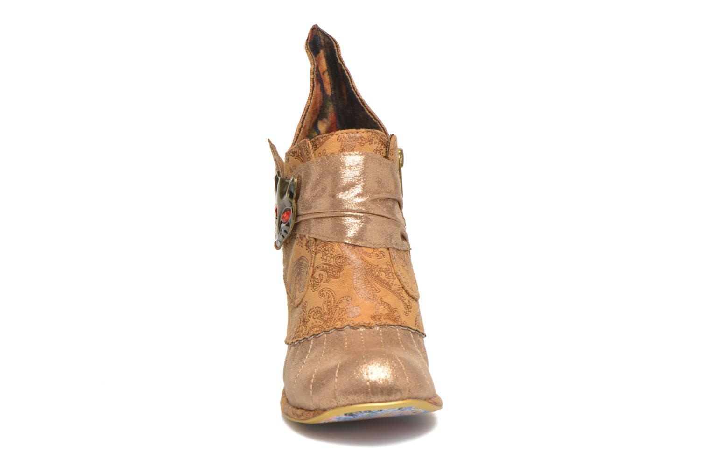Bottines et boots Irregular Choice Miaow Beige vue portées chaussures
