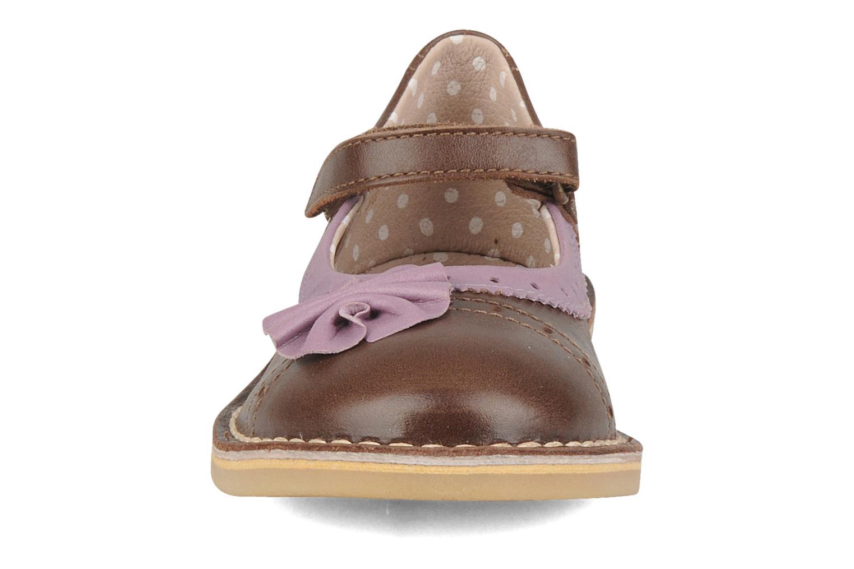 Ballerines Kickers Colette Marron vue portées chaussures