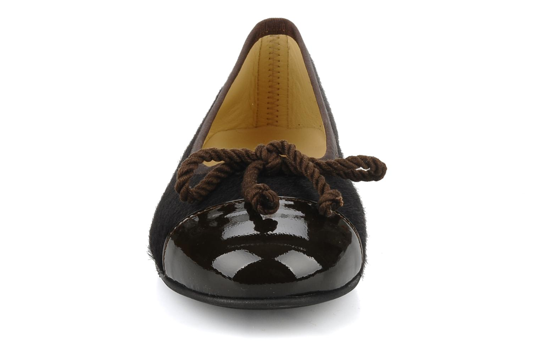 Ballerines Giesswein Ennepetal Marron vue portées chaussures