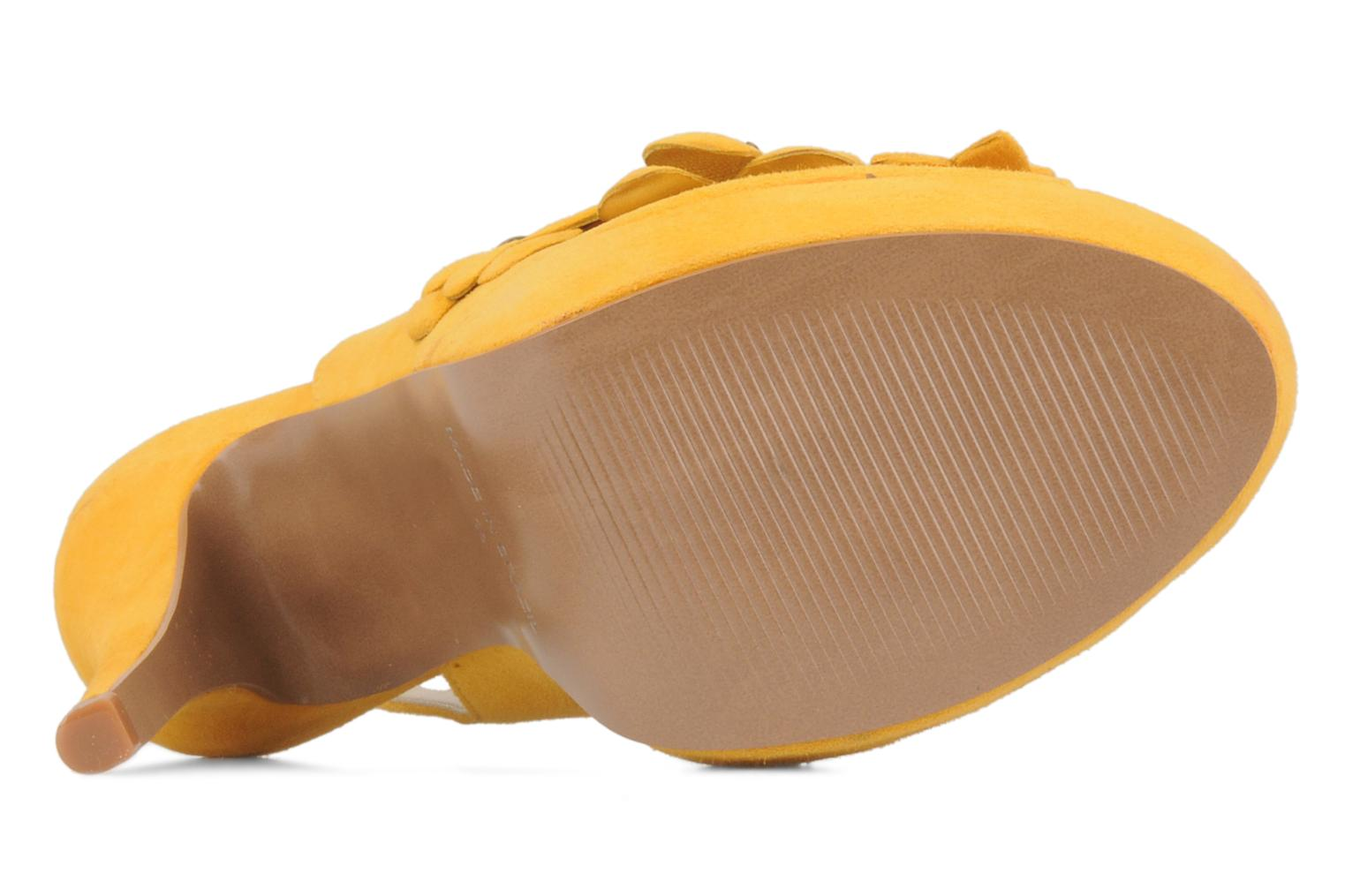 Sandals Carvela Gypsy Yellow view from above