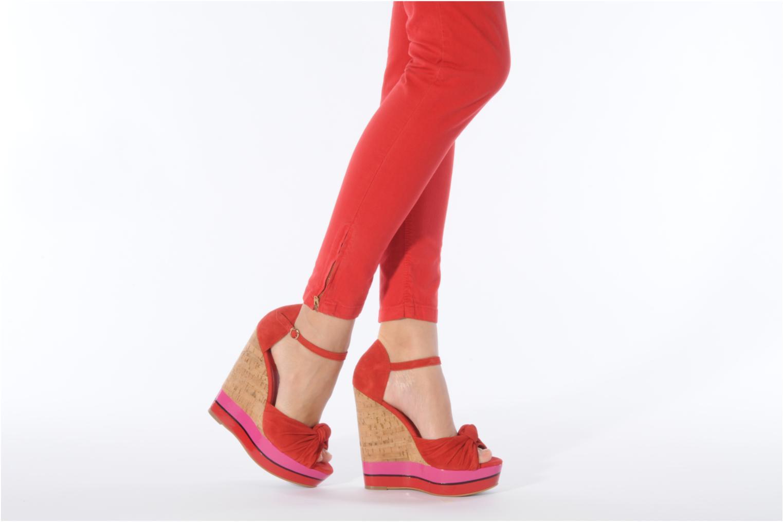 Sandales et nu-pieds Carvela Kennis Rouge vue bas / vue portée sac