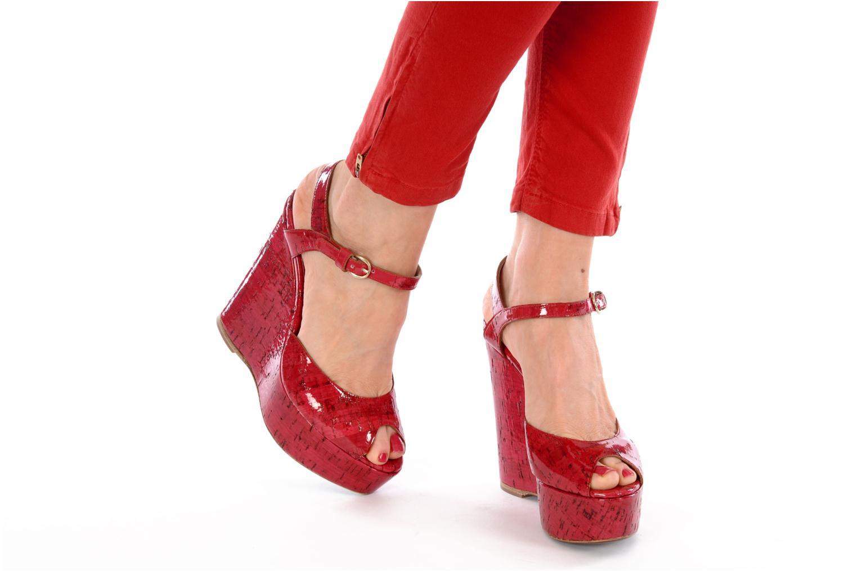 Sandales et nu-pieds D&G Piral Rouge vue bas / vue portée sac