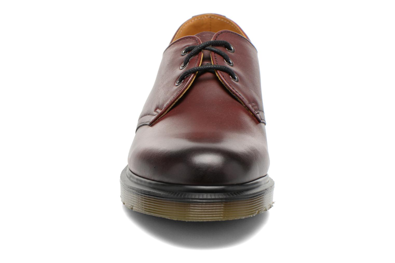 Snörade skor Dr. Martens 1461 w Vinröd bild av skorna på