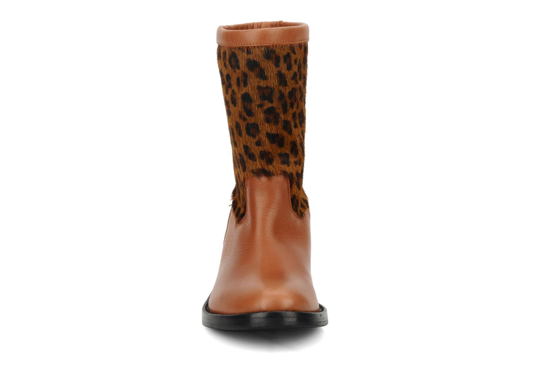 Bottines et boots C'Entre Maman & Moi! Stephanie porto Marron vue portées chaussures