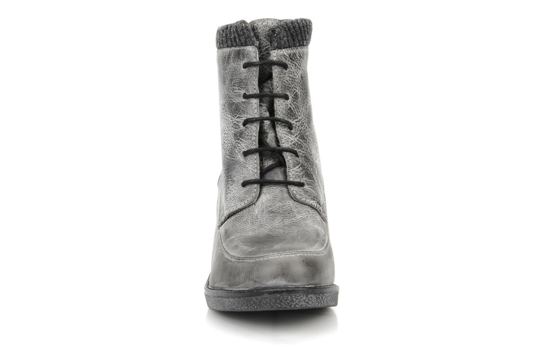 Bottines et boots Castaluna Mildred XL Gris vue portées chaussures