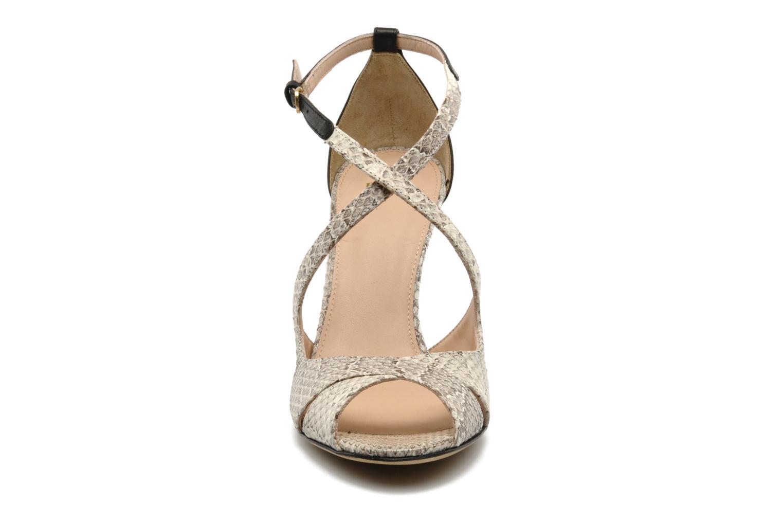 Sandales et nu-pieds Boss Black Niroba E Beige vue portées chaussures
