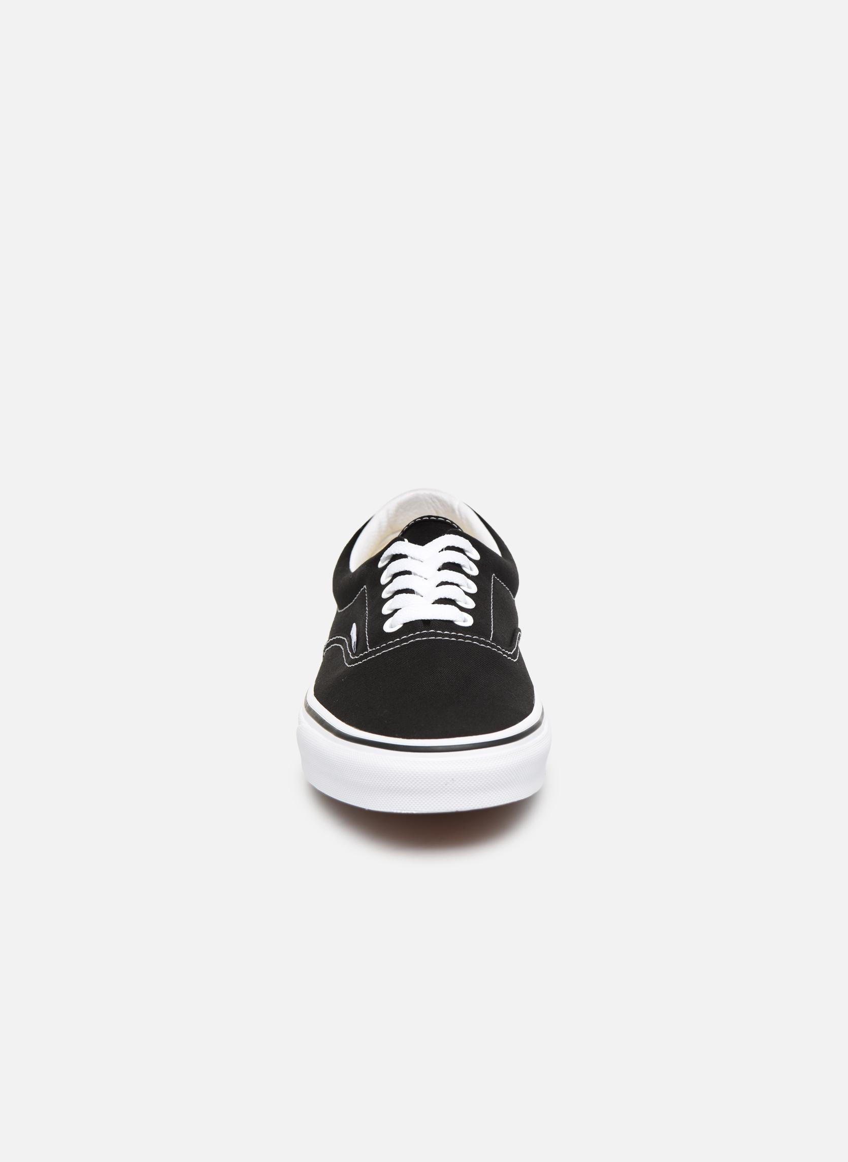 Baskets Vans Era Noir vue portées chaussures