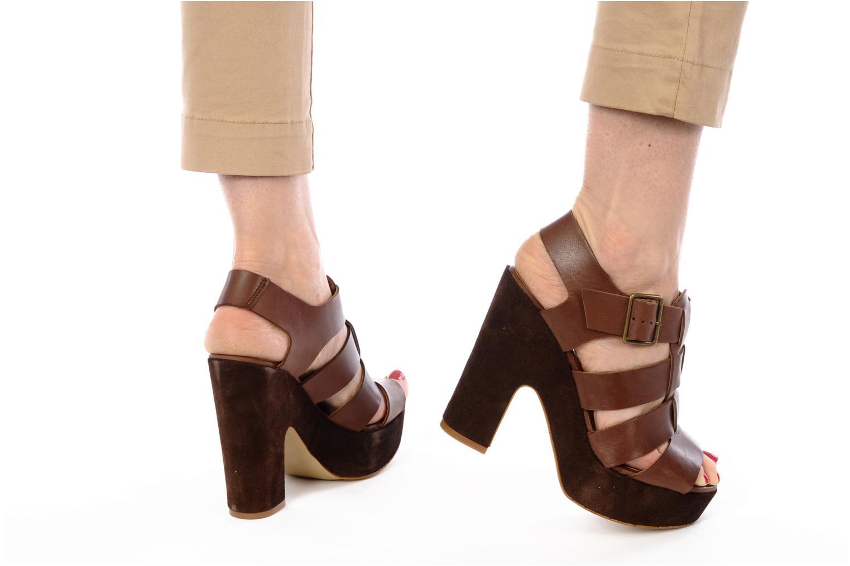 Sandales et nu-pieds Emma Go Lowe Marron vue bas / vue portée sac