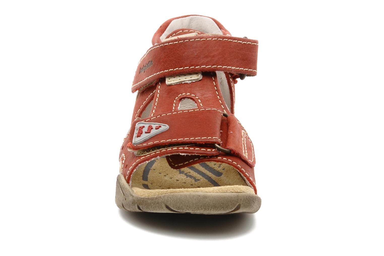 Sandalen Babybotte Tedi rot schuhe getragen