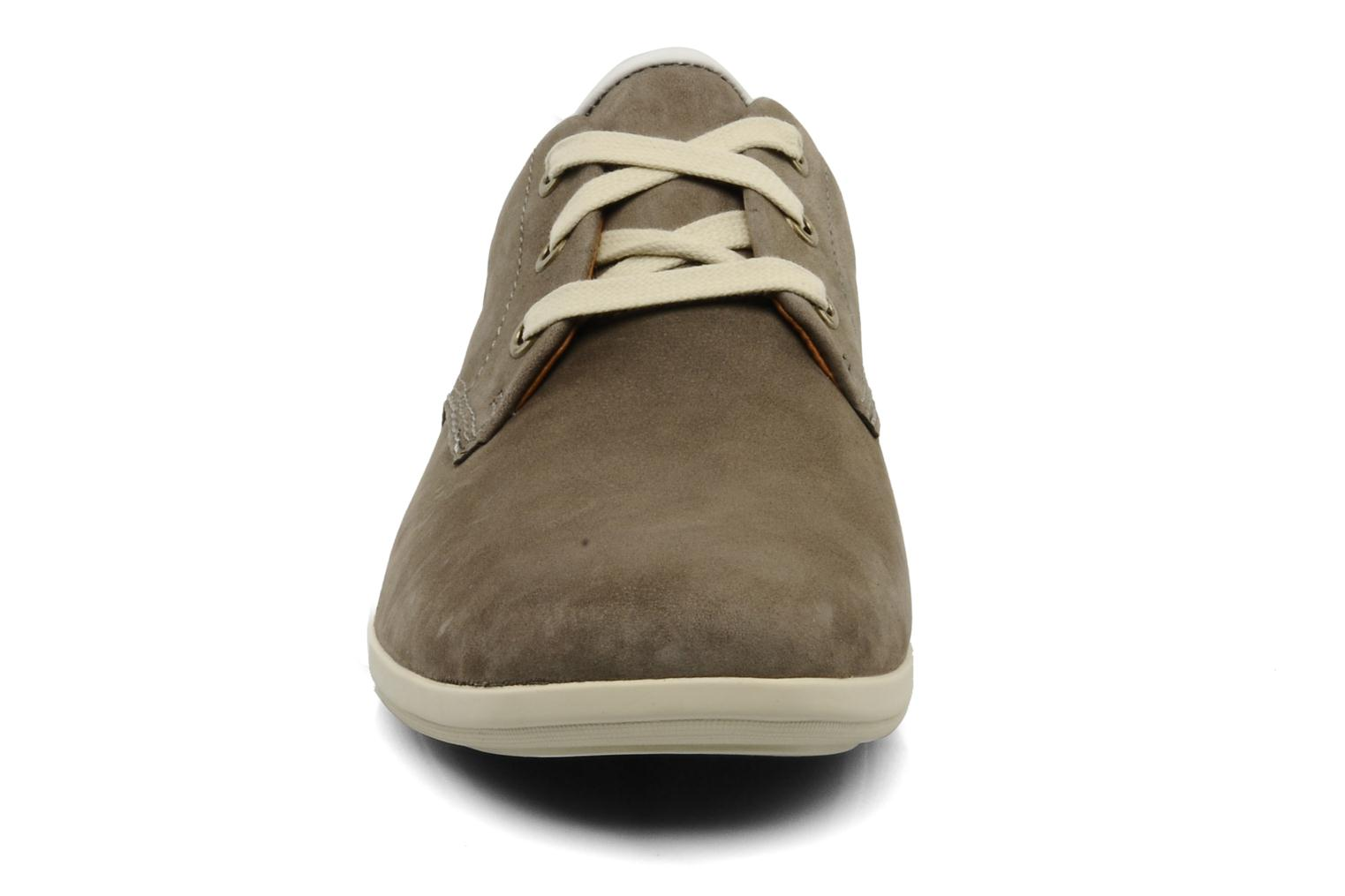 Lace-up shoes Clarks Mask Flow Grey model view
