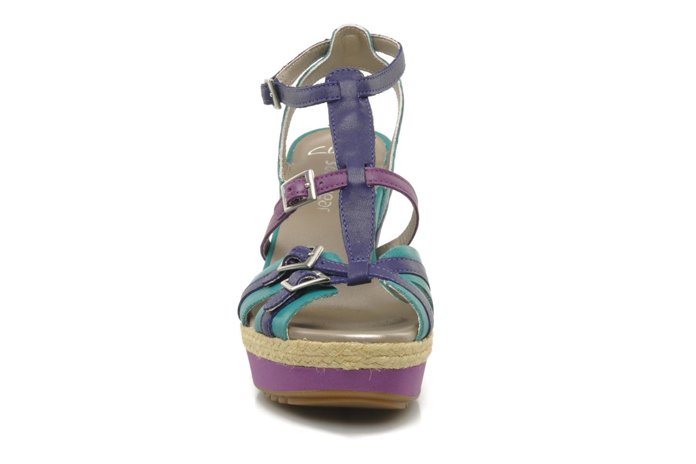 Sandali e scarpe aperte Clarks Scent Trail Multicolore modello indossato