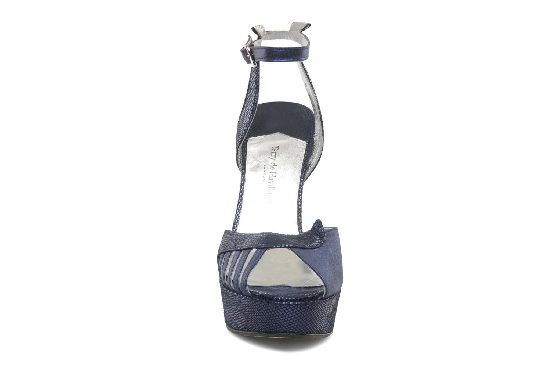 Sandales et nu-pieds Terry de Havilland Margaux Bleu vue portées chaussures