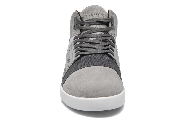 Chaussures de sport Supra Skytop III Gris vue portées chaussures