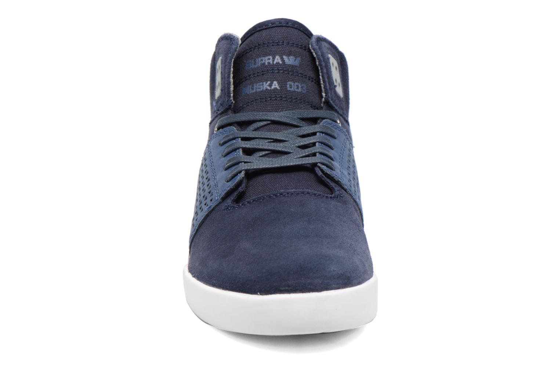 Sportskor Supra Skytop III Blå bild av skorna på