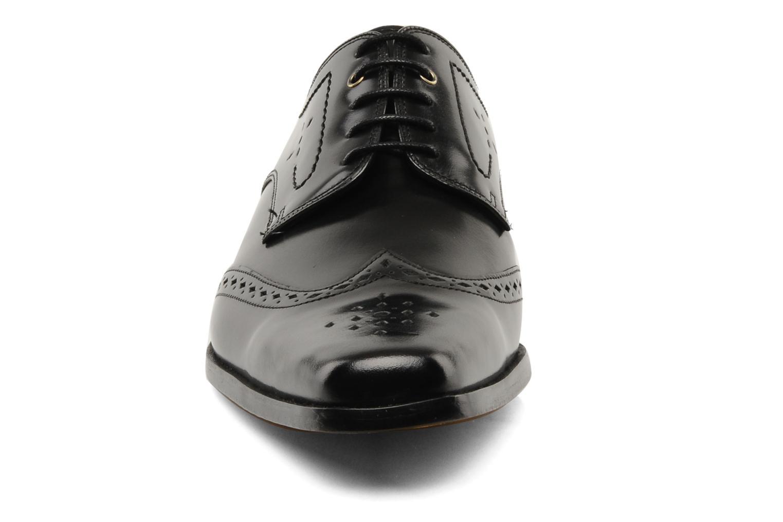 Scarpe con lacci Melvin & Hamilton Smith 3 Nero modello indossato