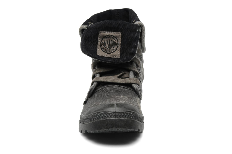 Baskets Palladium Us Baggy F Gris vue portées chaussures