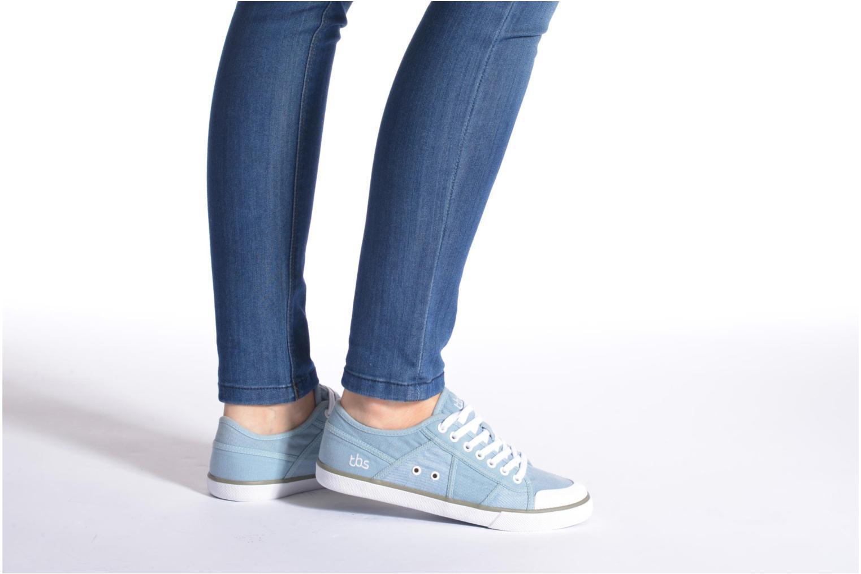 Sneaker TBS Violay blau ansicht von unten / tasche getragen