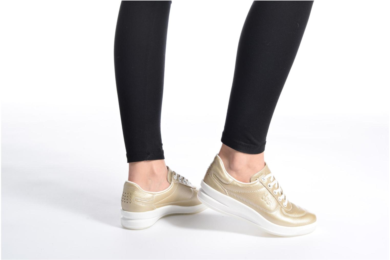 Sneaker TBS Easy Walk Brandy grau ansicht von unten / tasche getragen