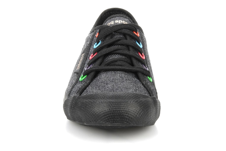 Sneakers Le Coq Sportif Deauville Plus Denim Rainbow Ps Nero modello indossato