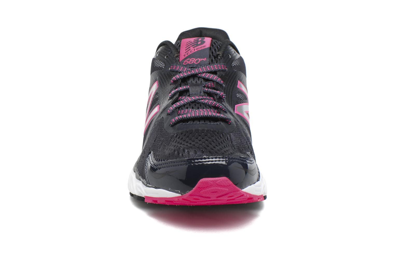 Chaussures de sport New Balance W680 Gris vue portées chaussures