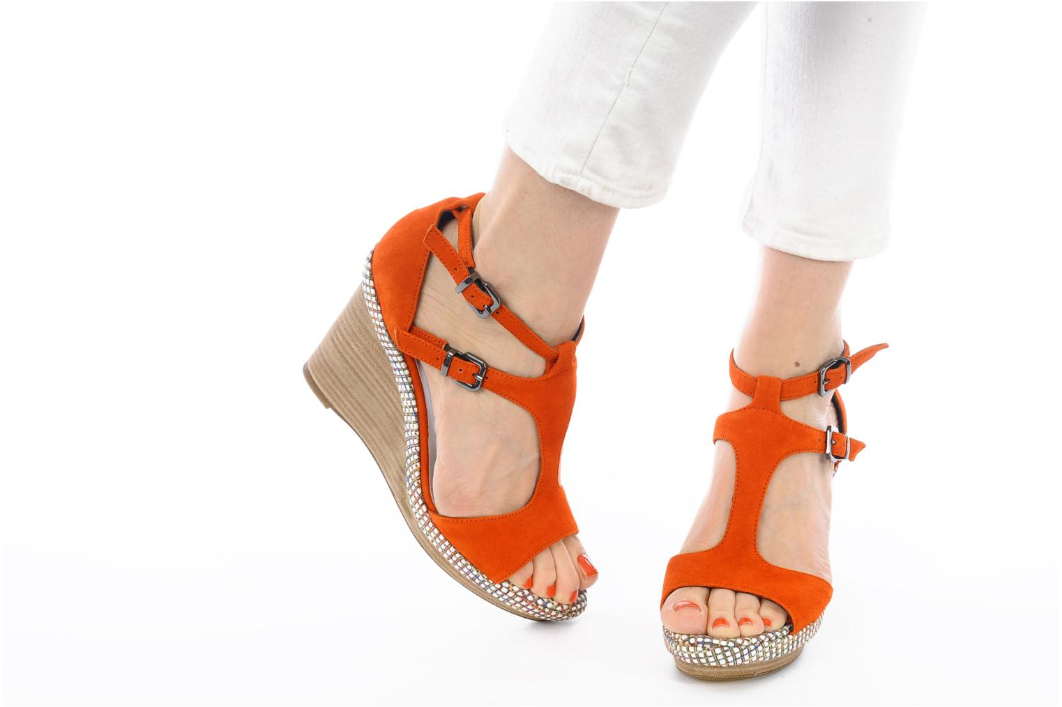 Sandals JB MARTIN Nabou Orange view from underneath / model view