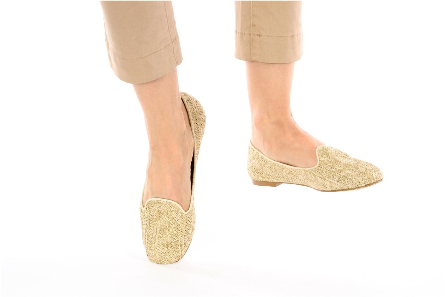 Loafers Chocolate Schubar Chiara Beige view from underneath / model view