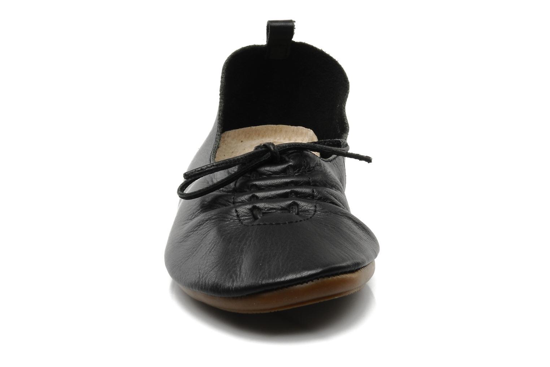 Ballet pumps Chocolate Schubar Daniel Black model view