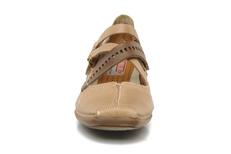 Ballerines Pikolinos Grandia 8960f Beige vue portées chaussures