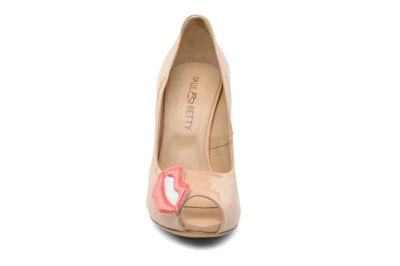 Escarpins Paul & Betty PrettyLips Beige vue portées chaussures