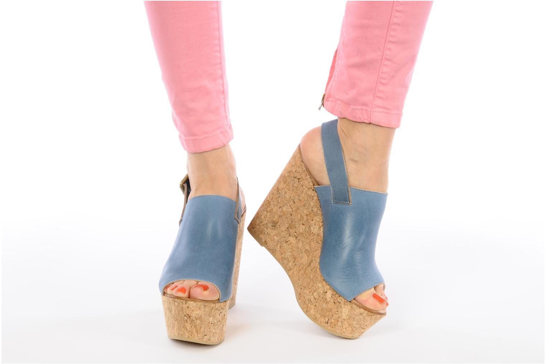 Sandalen Kéy Té By Kallisté Koto blau ansicht von unten / tasche getragen